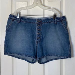 Buttonfly Snap Flap Pocket Hi-Rise Jean Short 18W